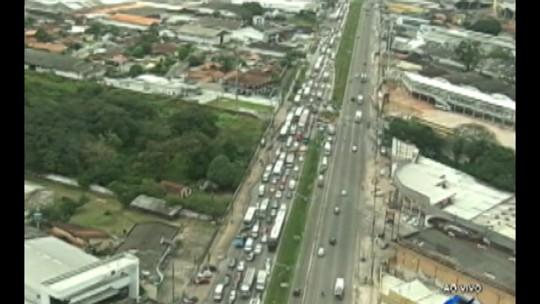 Rodoviários encerram protesto e liberam rodovia BR-316