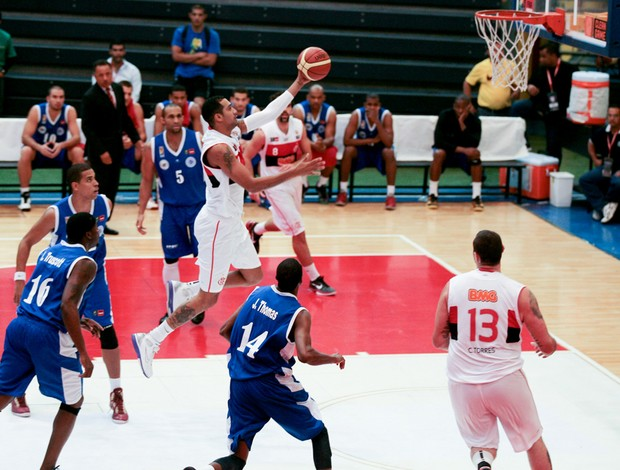 basquete marquinhos flamengo e Estrellas Occidentales liga das américas (Foto: Samuel Vélez / FIBA Américas )