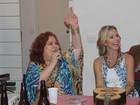 Beth Carvalho comemora alta após um ano de internação