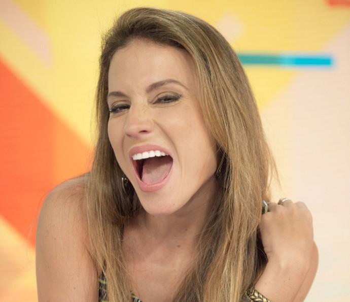 Maíra Charken faz caras e bocas no estúdio do 'Vídeo Show' (Foto: João Miguel Júnior / TV Globo)