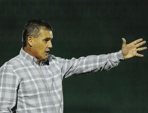 Paulo Roberto, técnico Guarani (Foto: Rodrigo Villalba/Memory Press)