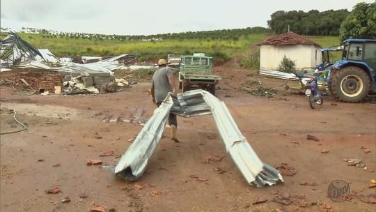 Congonhal decreta estado de emergência após vendaval em bairro