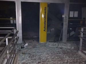 Agências teriam sido explodidas com dinamites (Foto: Reprodução/ Agreste Violento)