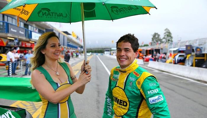 Grid girl Marcos Gomes