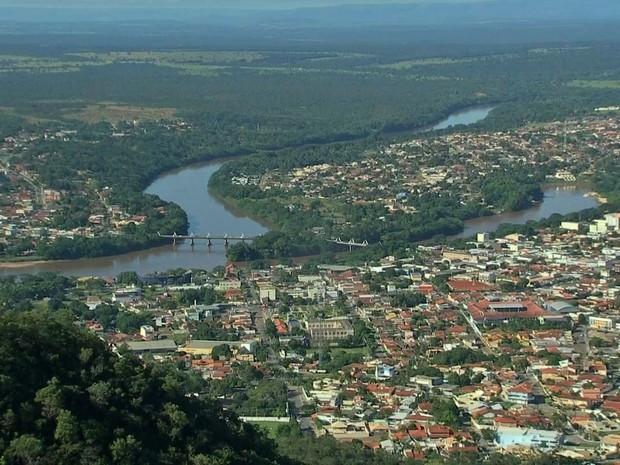 Rios Araguaia e Garças se encontram na região de Barra do Garças (Foto: Reprodução/ TVCA)
