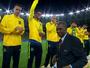 Douglas Santos volta ao Galo na terça e vai disputar vaga com Fábio Santos