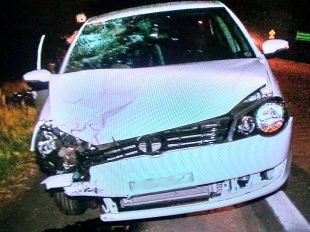 Segundo polícia, motorista do carro estava aparentemente embriagado (Foto: Everaldo Lins/Visão Diária)