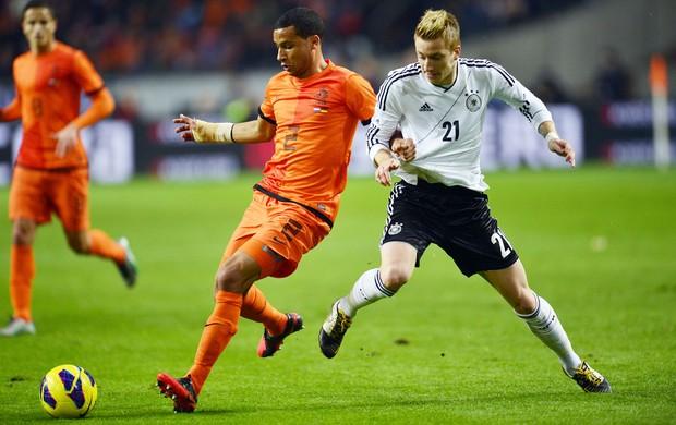 van Rhjin e Marco Reus, Holanda e Alemanha (Foto: Agência AFP)