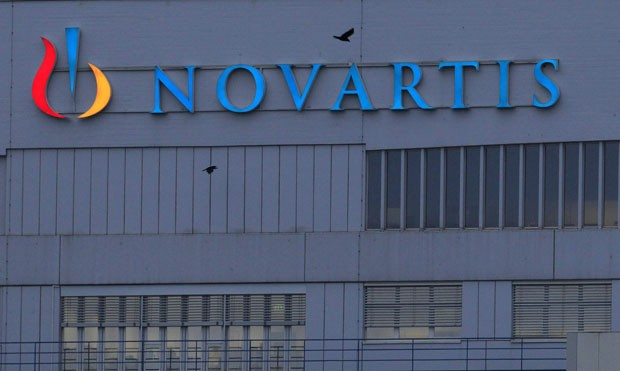 Fachada da sede da Novartis em Basel, na Sua. Multinacional perdeu na ndia &quot;guerra&quot; por patente de medicamento que combate o cncer (Foto: Arquivo/Arnd Wiegmann/Reuters)