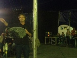 Lindberg Farias em debate na Cidade Nova (Foto: Isabela Marinho/G1)