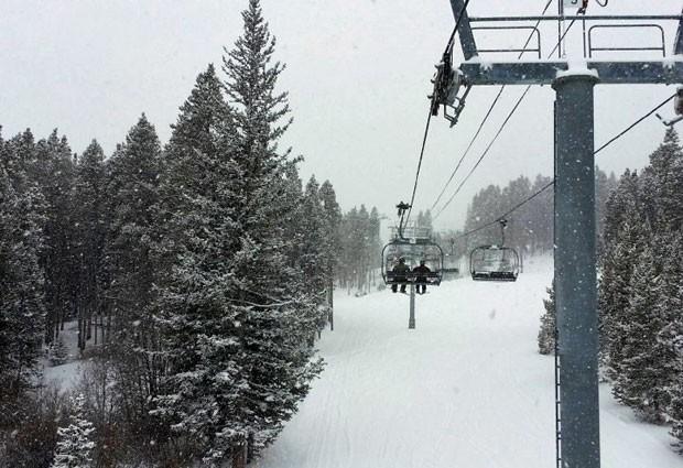 Teleférico na montanha Breckenridge, no estado do Colorado, nos EUA (Foto: Divulgação/SnowOnline.com)