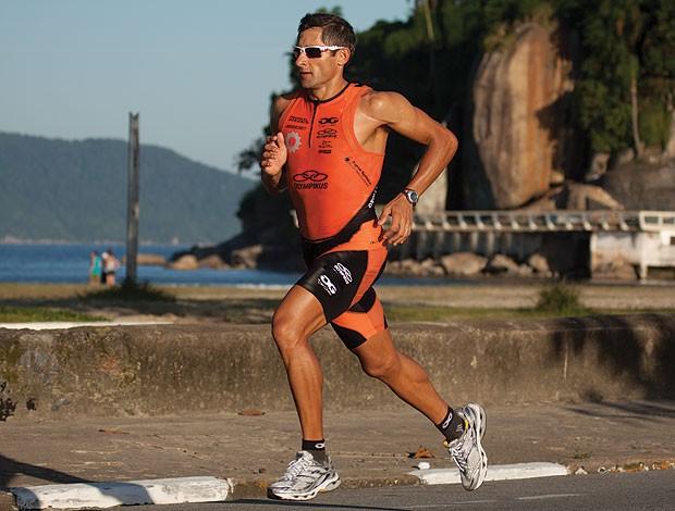 corrida eu atleta óculos Oakley Fast Jacket (Foto: Divulgação / Oakley)