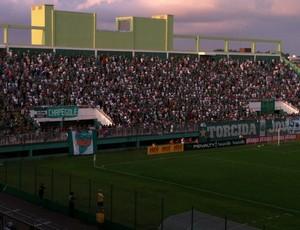 Torcida compareceu em bom número no Índio Condá (Foto: Lucas de Senna/TV Centro América)