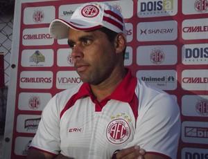 Leandro Sena, técnico do América-RN (Foto: Tiago Menezes)