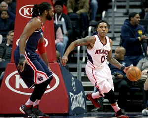Nenê e Jeff Teague Wizards x Hawks NBA (Foto: Reuters)