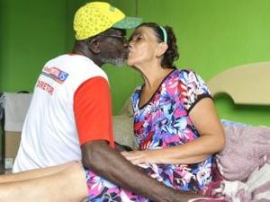 Casal se conheceu em abrigo em Vitória. (Foto: Elizabeth Nader/Divulgação PMV)