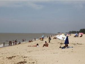 Praia do Farol de São Tomé está própria pra banho, segundo Inea. (Foto: Divulgação/Prefeitura de Campos)