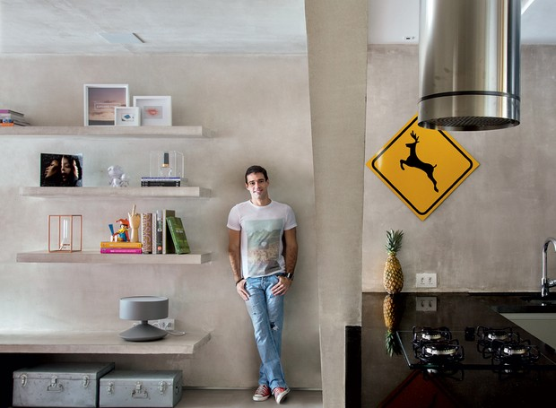 Apartamento integrado ganha mais luz natural e for Idea de pintura de corredor