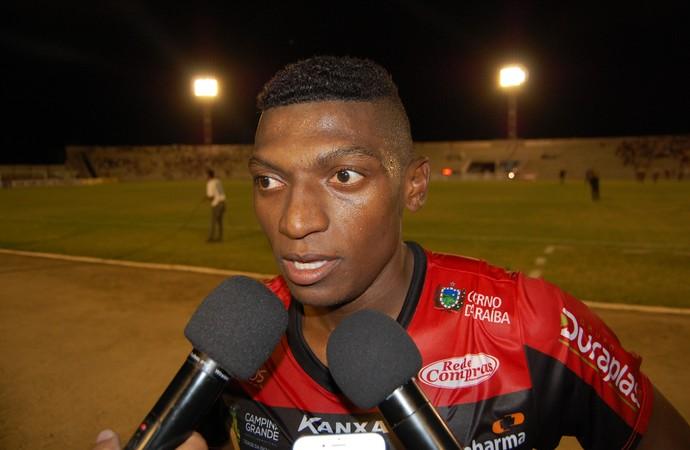 Negretti, volante do Campinense (Foto: Silas Batista / GloboEsporte.com)