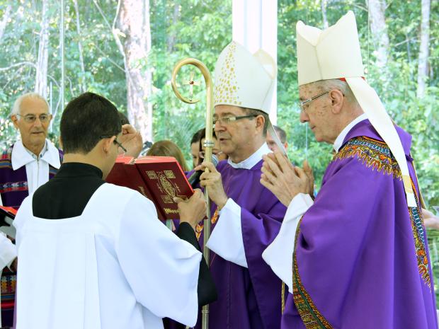 Missa foi celebrada ao lado do Arcebispo de Manaus Dom Sérgio Castriani (Foto: Jamile Alves/G1 AM)