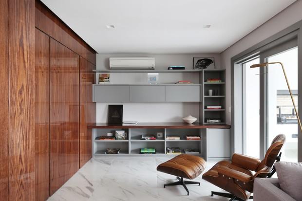Atemporalidade e integração de espaços marcam apartamento em São Paulo (Foto: Divulgação)