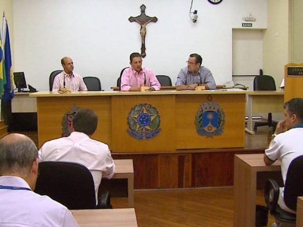 Donos de postos explicam alta dos valores dos combustíveis na Câmara de Araraquara (Foto: Marlon Tavoni/EPTV)