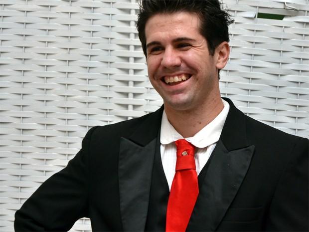 Felipe Comparini Aragão percebe que participa do próprio casamento em Franca, SP (Foto: Paulo Vítor Toledo)