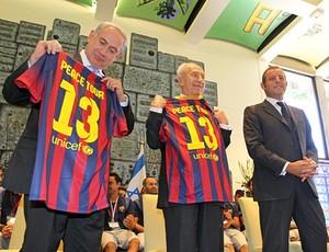barcelona camisa Shimon Peres Benjamin Netanyahu barcelona (Foto: MIguel Ruiz / FC Barcelona)