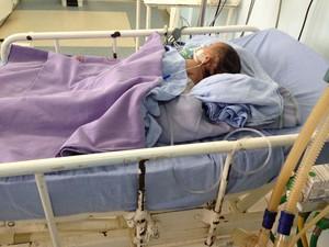 Bebê, um menino de um ano e meio, está internado na UTI do Hospital Pediátrico Maria Alice Fernandes (Foto: Tatiana Neves, médica pediatra)
