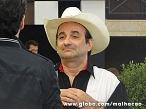 Rei do Rum vai dar uma festa (Foto: Malhação / TV Globo)