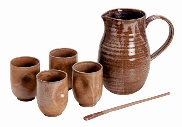 Linha Refresco: jarra de 1 L, 21 x 10 cm,  copos, 10 x 8 cm (Foto: Divulgação)
