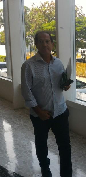 Muricy Ramalho deixa o encontro de técnicos na CBF (Foto: Vicente Seda)