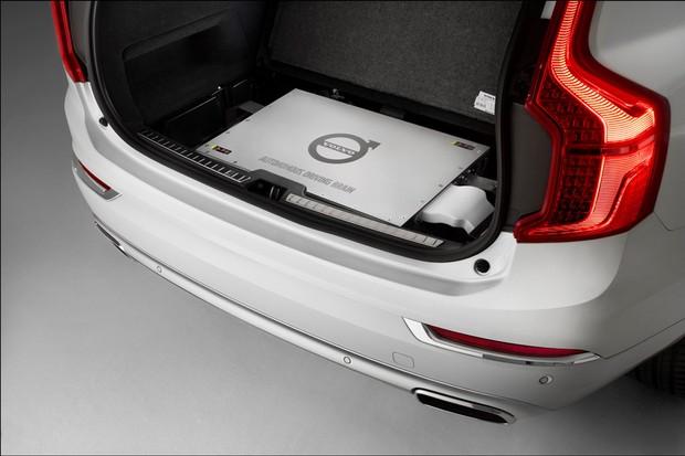 """""""Cérebro"""" autônomo do Volvo XC90 Drive Me (Foto: Divulgação)"""