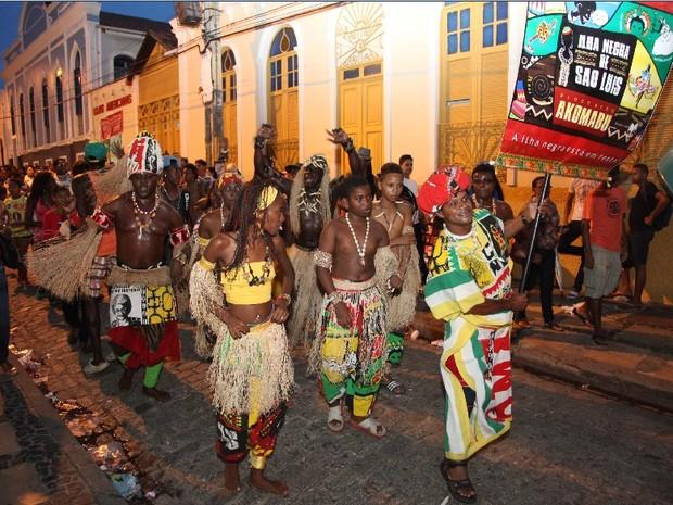 Bloco Akomabu comemora 30 anos em São Luís (Foto: Biné Morais/O Estado)