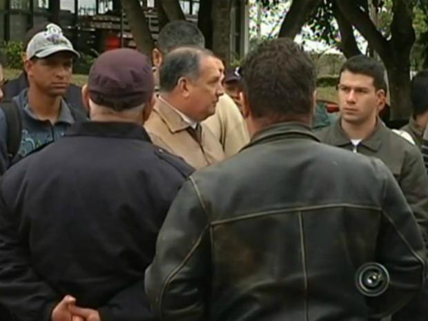 Guardas Civis Municipais de Itapeva (SP) (Foto: Reprodução TV TEM)