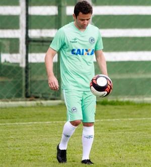 Juan - meia do Goiás (Foto: Rosiron Rodrigues / Goiás E.C.)