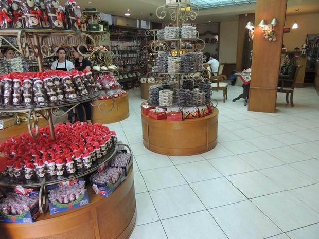 Lojas de chocolates são as mais procuradas em Gramado (Foto: Caetanno Freitas/G1)
