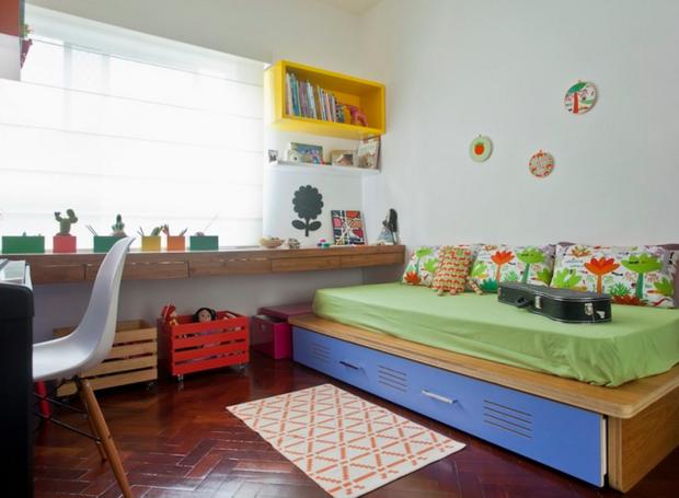 A cama tem um gavetão para acomodar mais brinquedos de Flor (Foto: Andrea Marques para NaToca/Divulgação)