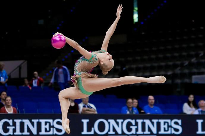Yana Kudryavtseva no Mundial de Stuttgart (Foto: Ricardo Bufolin/CBG)