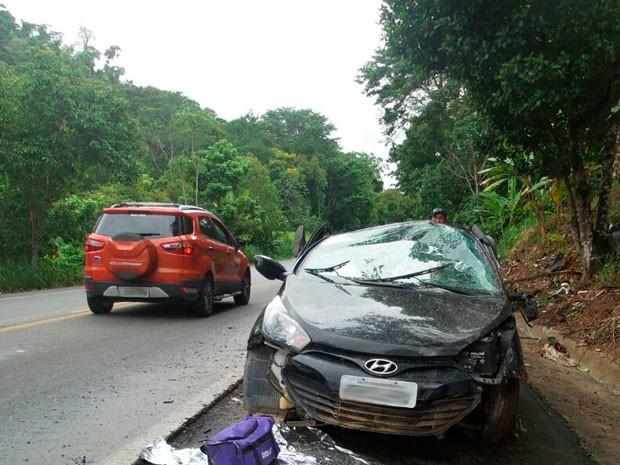 Vítimas estavam a caminho do DPT de Itabuna para reconhecimento do corpo de um parente (Foto: Camila Oliveira/TV Santa Cruz)