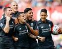 """Coutinho tira golaço da cartola no fim, e Liverpool vence """"algoz"""" de Gerrard"""
