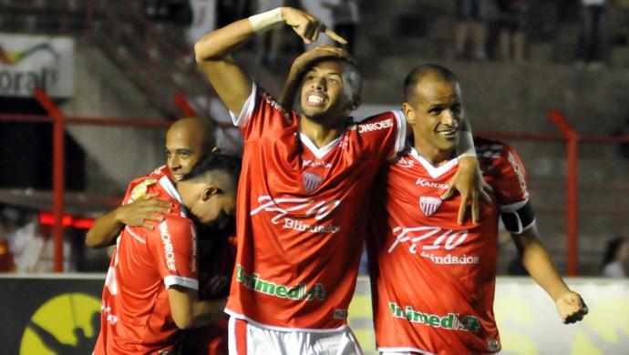 Rivaldo e Rivaldinho gol Mogi x Macaé (Foto:  LéO SANTOS - Agência Estado)