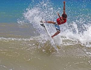 Bruno Marujinho foi um dos destaques da competição (Foto: Fabriciano Júnior/SurfBahia)