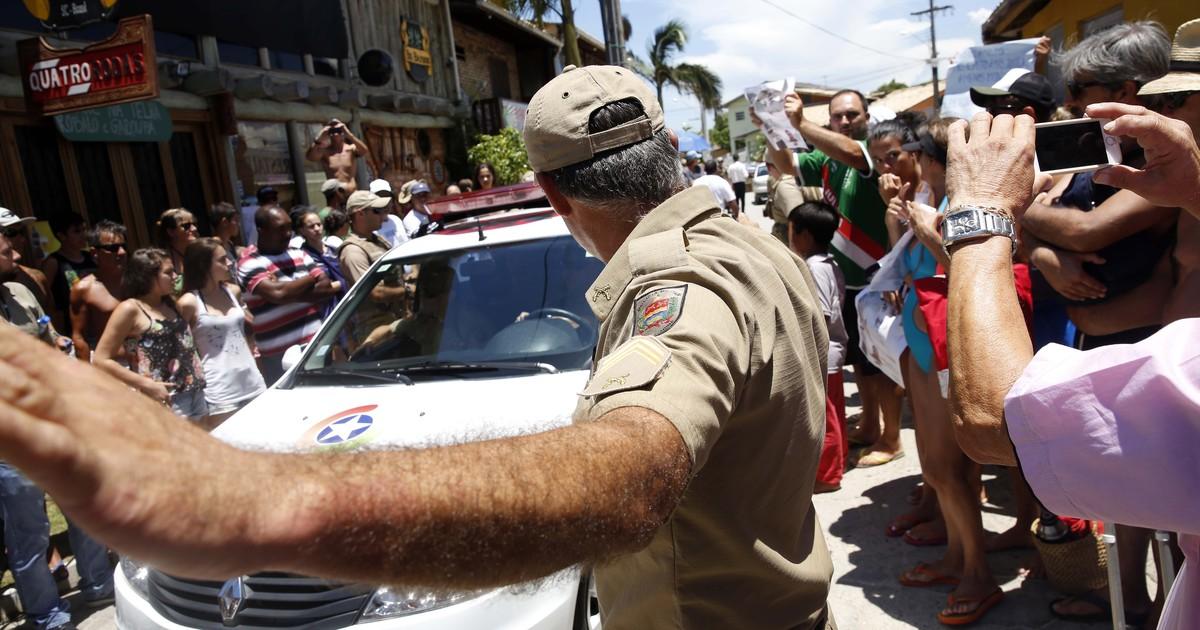 Reconstituição de crime de surfista termina com pequeno tumulto ... - Globo.com