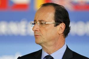 O presidente eleito da França, François Hollande, durante cerimônia nesta quinta (10) nos Jardins de Luxemburgo (Foto: Charles Platiau / Reuters)
