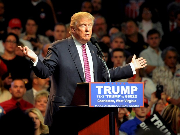 Donald Trump fala para eleitores em Charleston, na Virgina Ocidental, na quinta-feira (5)  (Foto: Chris Tilley/ Reuters)