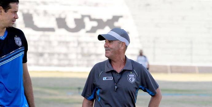 Dimas Borges comanda treino físico no Treze (Foto: Nelsina Vitorino / Jornal da Paraíba)