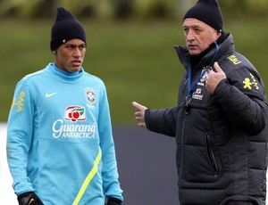 Neymar luiz felipe scolari felipão brasil treino (Foto: Agência Reuters)