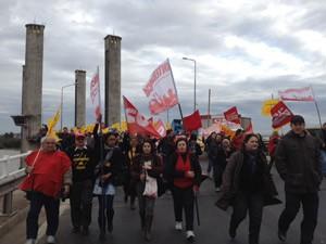 Protesto reuniu técnicos e professores (Foto: Roberta Salinet/RBS TV)
