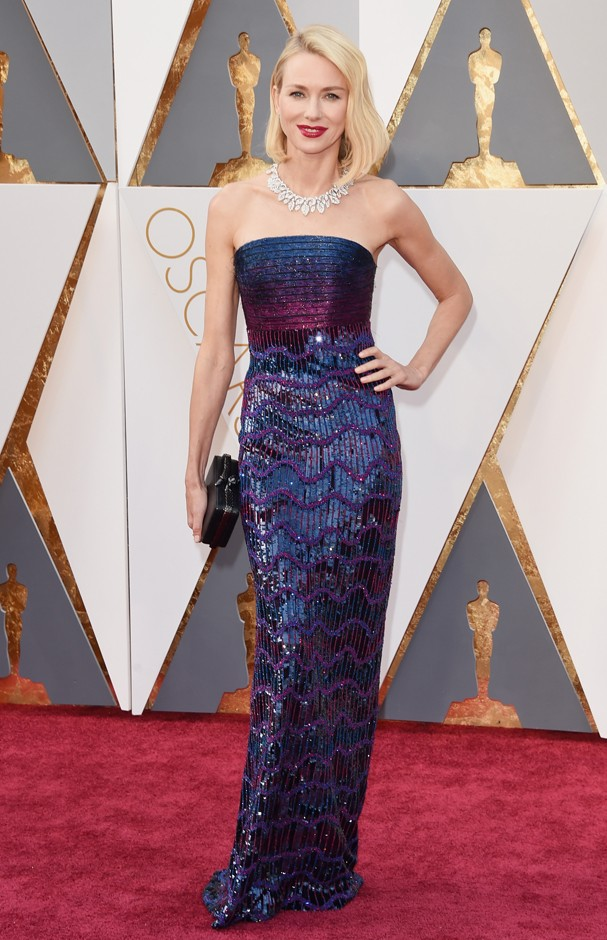Naomi Watts no Oscar 2016 (Foto: Getty Images)